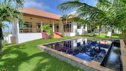 Seaview Tropical 3BR Pool Villa