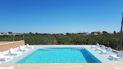 House With one Bedroom in Faro, With Shared Pool, Enclosed Garden and