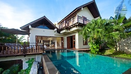 Cliffront Tropical Villa Cantik