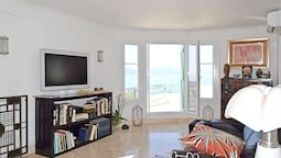 Apartment With 2 Bedrooms in Cannes, With Wonderful sea View, Terrace