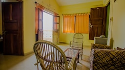 OYO 14180 Home 3BHK near by Ashwem Beach