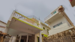 OYO 14990 Home Beach view 2BHK Ashwem