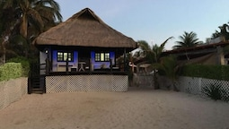 2 bedroom Beach Front property