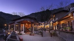 The Earl's Court, Nainital ( by Leisure Hotels )