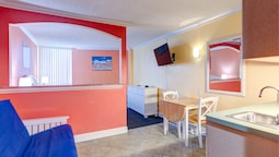 Pelican Pointe Hotel by Sunsational Beach Rentals LLC