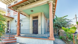 Authentic 2br/2ba in Historic Treme by Domio