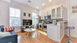 Beautiful 2br/2ba in South End by Domio