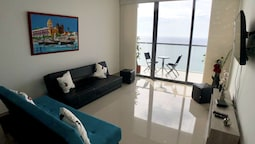 Adlas Condo by the Beach