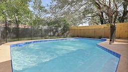 3BR Pool Home by Tom Well IG - 4204E98A