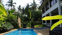 Twin Villas Apartment and Swimming Pool