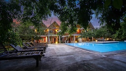 Elephas Resort & Spa