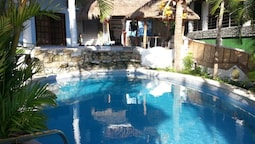 Dolphinbay Beachfront & Dive Resort