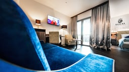 Best Western Plus Royal Suites