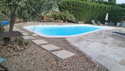 Villa With 3 Bedrooms in Eyragues, With Private Pool, Enclosed Garden