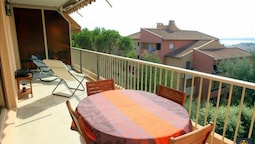 Apartment With 2 Bedrooms in Sainte-maxime, With Wonderful sea View an