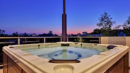 Darwin City Lights Jacuzzi