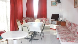 Apartment With 2 Bedrooms in Pereybere, With Enclosed Garden and Wifi
