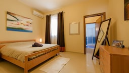 Luxury Holiday Apartment IN Qawra