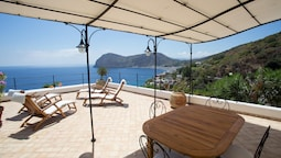 House With 2 Bedrooms in Lipari, With Wonderful sea View, Furnished Te