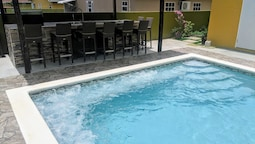 Zade's Vacation Home with Spa Pool & BBQ