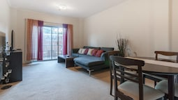 Darling Harbour 1 Bedroom in Resort Style Building