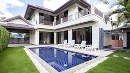 Pool Villa 3 Bedrooms Mountain View