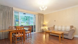 1 Bedroom Apartment On St Stephen's Green