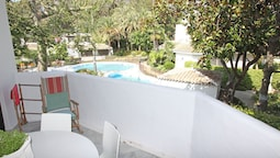 1097 Beachfront Apartment 50 Mtr Beach New Refurnished 2 Pool Areas