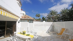 1152 Beachfront 2 Family Apartments 6 Bedr. Sleeps 15