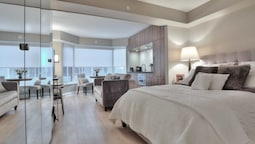 AMAZING SUITES IN YORKVILLE