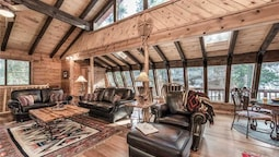 Antler Mountain Lodge - Four Bedroom Cabin
