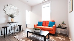 Classic South Loop Suites by Sonder