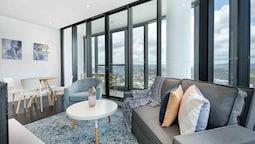 Amazing Centrally Located Designer Apartment