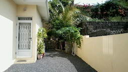 House With 3 Bedrooms in Flic en Flac, With Enclosed Garden and Wifi