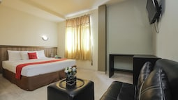 RedDoorz Plus near Palembang Trade Center 2