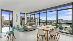 Vibrant Inner City Apartment - SHIL2
