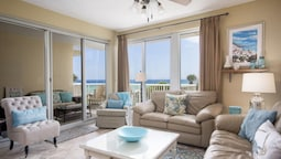 The Crescent 206 - Three Bedroom Condo
