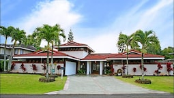 Rate Elegant Home With hot tub and Pool on Makai Golf Course