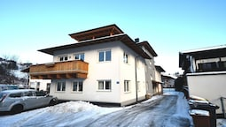 Apartment NICOLA - centre of Kaprun