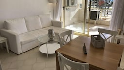 T&H Novelty 114 Family Apartment Salou