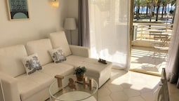 T&H Novelty 115 Family Apartment Salou