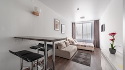 Apartment on Malysheva 42a 04