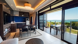 ONE SUITE THE TERRACE