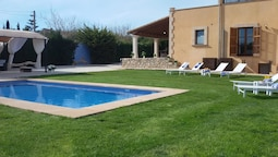 Villa With 4 Bedrooms in Manacor, With Wonderful Mountain View, Privat