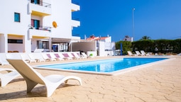 A02- Apartment With Pool by Dreamalgarve