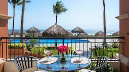 5 Star Lg 1 BDR Playa Royale Oceanfront Also Have 2&3 Bedrooms Condos