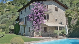 Apartment With Pool Ai Pignoi 1st floor