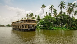 OYO 16838 Big B Houseboat 10 BHK