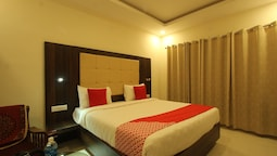OYO 26193 Hotel Maple Suites