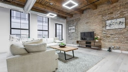 3 BDR Downtown Luxury Loft-spacious, Safe & Secure